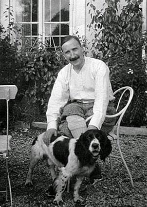 Stefan Zweig and his dog