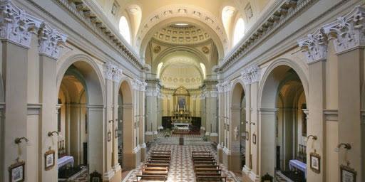 Strappoli di Sotto: Santa Abbondanziana Martire – interno