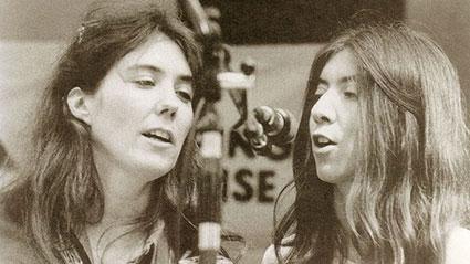 Kate e Anna ad un concerto