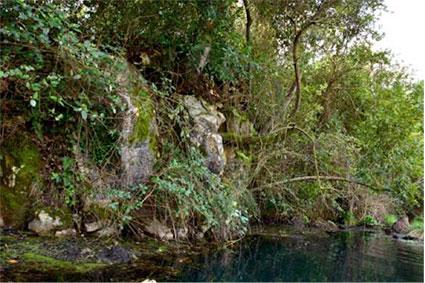 Il laghetto dell'acqua turchina foto di Giancarlo Bovina