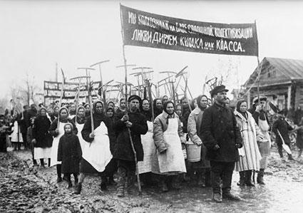 Manifestazione di protesta di contadini russi