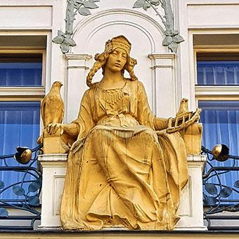 Praga - Una statua di Libuše, la leggendaria fondatrice della dinastia Přemyslide, principessa del popolo ceco