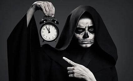 morte con orologio